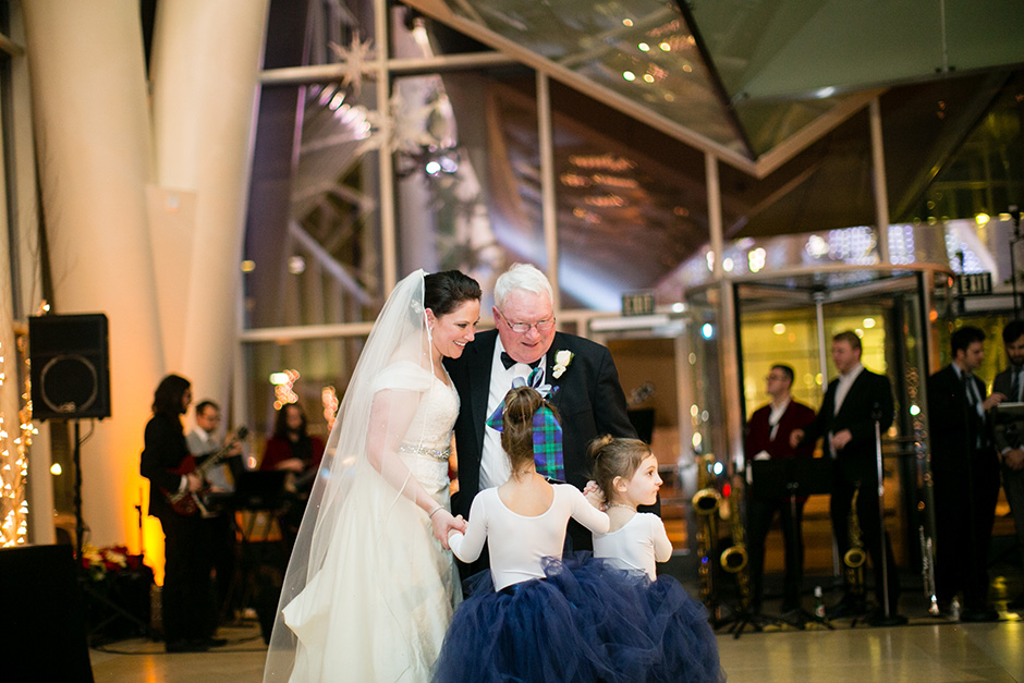 Cira Center wedding by Peach Plum Pear Photo_028