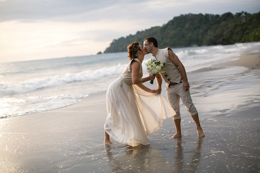 Costa Rica destination wedding :: Jacqui and Peter :: January 23, 2015